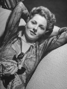 Joan-Fontaine-Picture-001