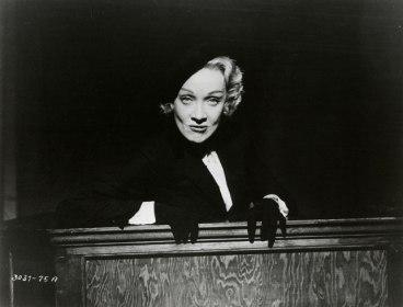Witness-for-the-Prosecution.-Marlene-Dietrich-2
