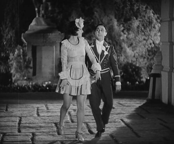 Love-Parade-Lane-Roth-Dance